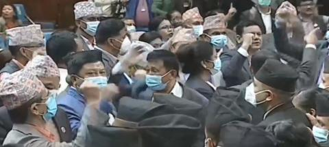 संसद बैठक सुरु नहुँदै एमालेको नाराबाजी